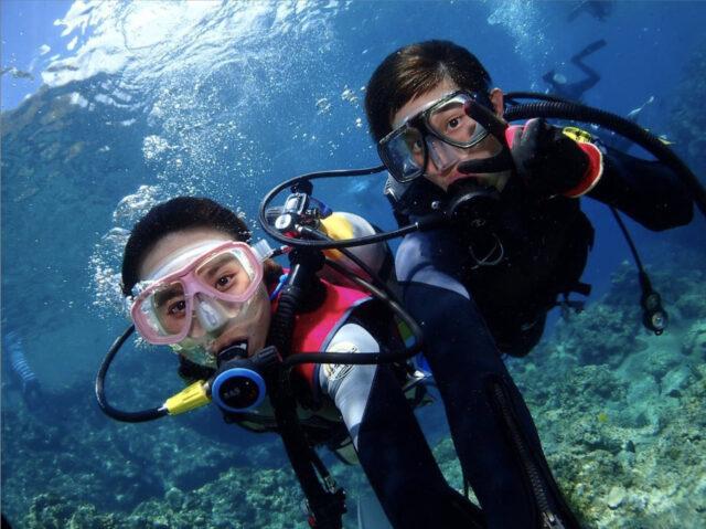 カップルで青の洞窟体験ダイビング