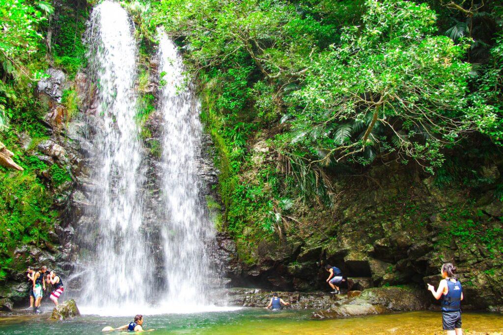 恩納村で見られる滝