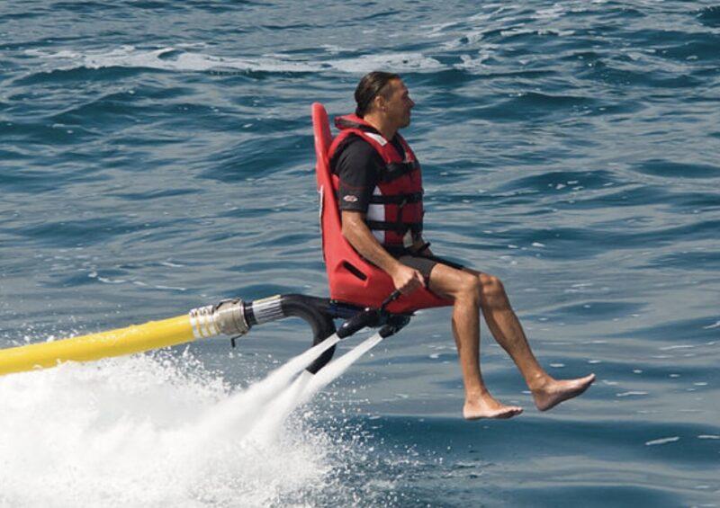 沖縄ではココだけ!空飛ぶ椅子のジェットアクティビティ【フリーダムフライヤー】(No.58)