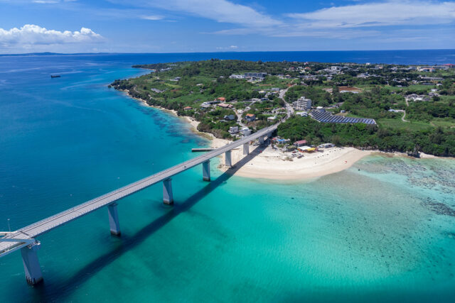 沖縄 離島へ続く橋