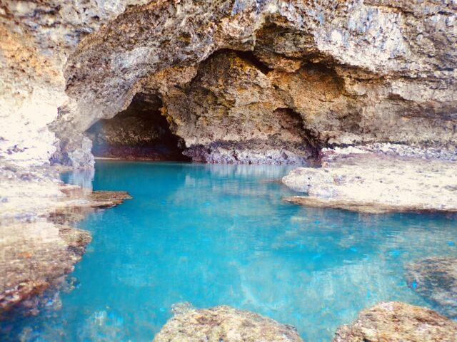 石垣島 青の洞窟