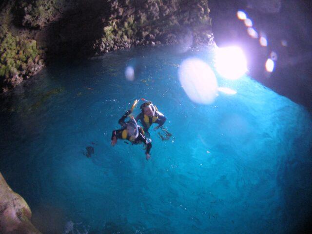 青の洞窟でシュノーケル体験