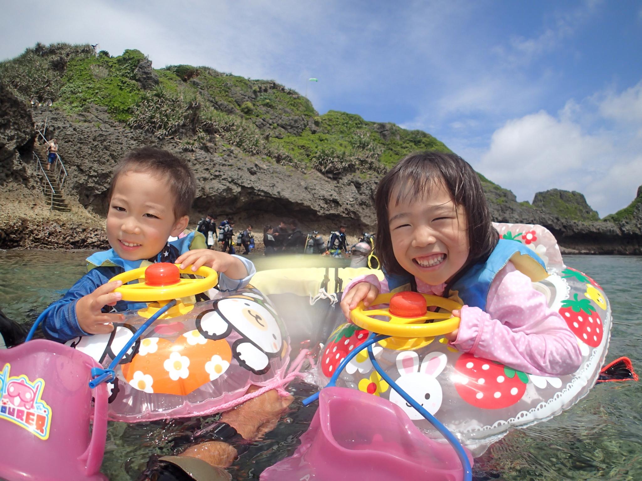 【恩納村】3歳から参加可能!熱帯魚と「青の洞窟」シュノーケリング(No.92)