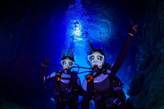 青の洞窟で体験ダイビング